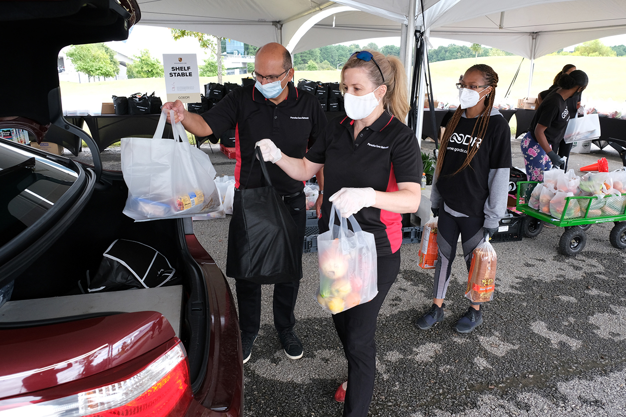 Porsche Club of America - PCNA to fund and host Goodr Foundation pop-up grocery store to aid families impacted by pandemic